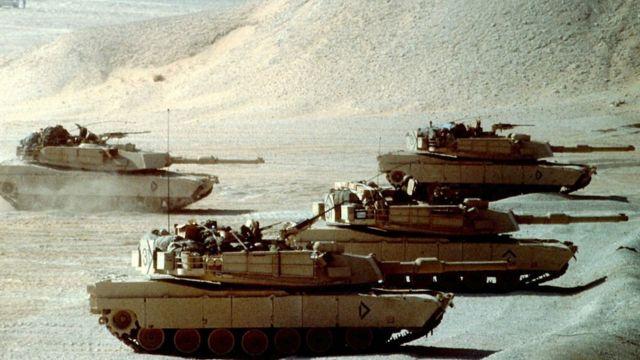 Американские танки M-1A1 Abrams во время войны в Персидском заливе