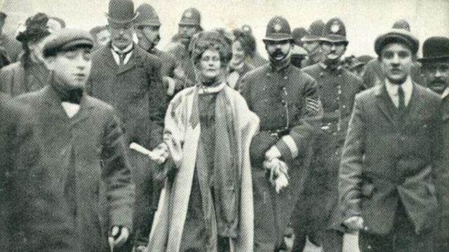 1908 ఫిబ్రవరి 13న విక్టోరియా స్ట్రీట్లో మహిళను అరెస్టయ్యారు.
