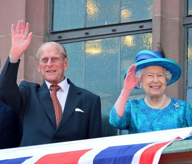 الملكة إليزابيث الثانية وزجها الأمير فيليبس