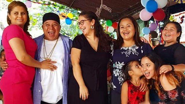 Mariela con la familia