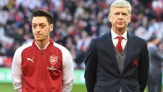 Mesut Ozil dan Arsene Wenger