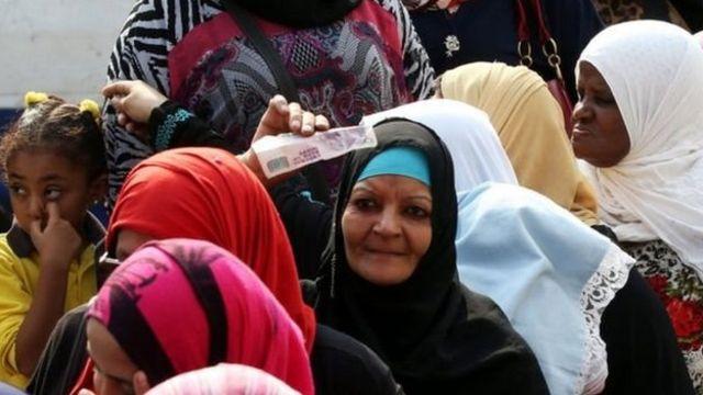 التايمز: لأزمة الاقتصادية تزيد من متاعب الطبقة المتوسطة في مصر