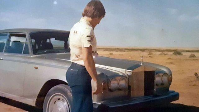 Eamonn with his car in the Saudi desert