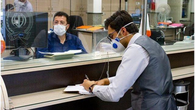 به گفته عبدالناصر همتی، رئیس کل بانک مرکزی ایران، دولت پرداخت سود وام یک میلیونی به بانک ها را تقبل کرده است