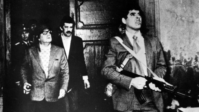 El presidente Salvador Allende con sus guardias