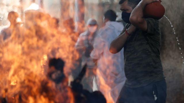孟买医院重症监护室发生火灾,至少有13名患者死亡。