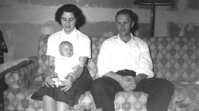 الأم والأب والابن