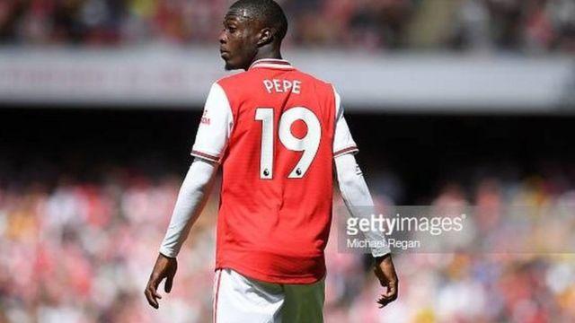 Nicolas Pepe, auteur de deux buts, a sauvé Arsenal d'une défaite contre Vitoria Guimaraes
