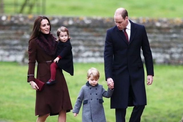 Герцог и герцогиня Кембриджские со своими детьми