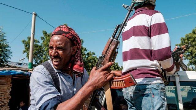 مسلحون من ميليشيات أمهرية في غربي تيغراي