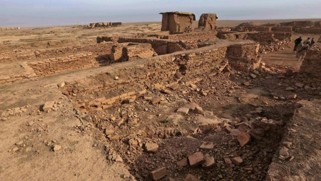 ISは3300年前に造られた古代都市を破壊した(15日)