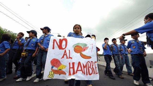 Marcha contra el hambre en El Salvador.