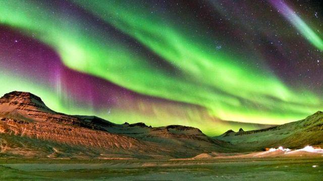 Для появления северного сияния необходимо довольно редкое сочетание ясного неба и солнечной активности