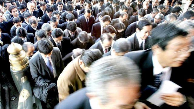 Японская корпоративная культура постепенно воспринимает западные веяния. Но очень неохотно