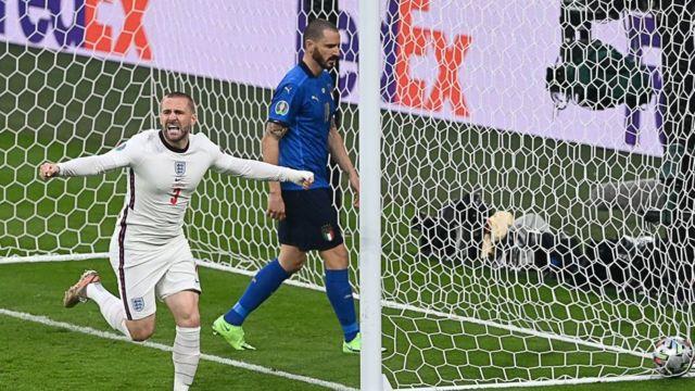 shaw'un gol sonrası sevinci