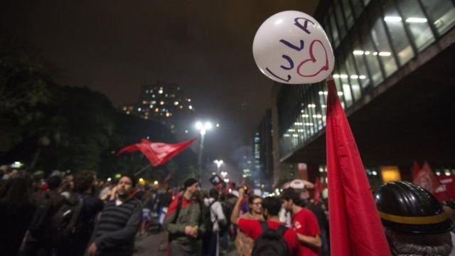 Manifestación en Sao Paulo en contra de la sentencia contra Lula da Silva.
