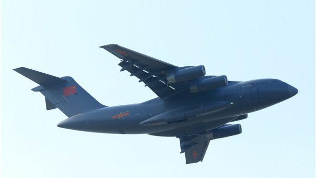 中国军方的运-20(Y20)战略运输机(上图,资料照片)。