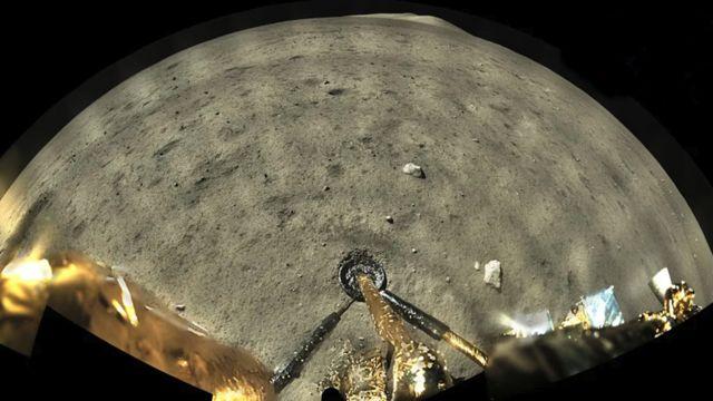 嫦娥五號在月球正面西北方著陸。