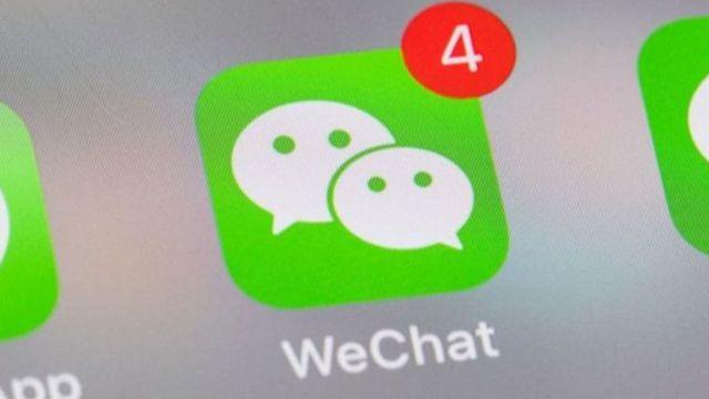 Lo schermo del telefono cellulare mostra la scorciatoia WeChat