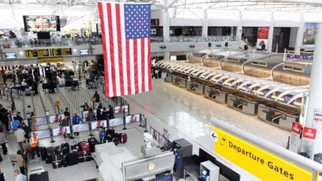مطار جي إف كينيدي في مدينة نيويورك