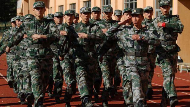 參加軍訓的中國國家田徑隊