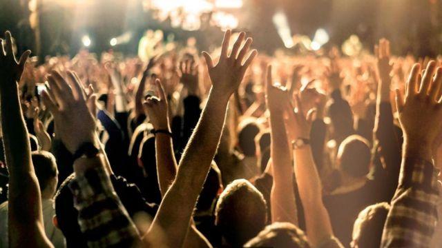 Fans en un concierto