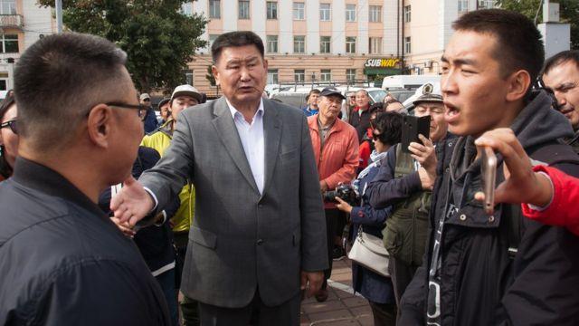 Мархаев на акции протеста в Улан-Удэ