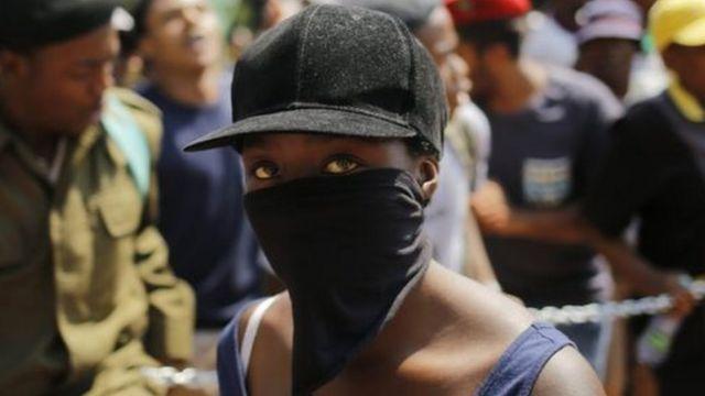 محتجون في جنوب إفريقيا
