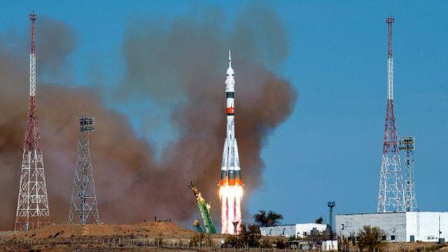 Kazakistan'daki Baykonur üssünden fırlatılan Soyuz füzesi