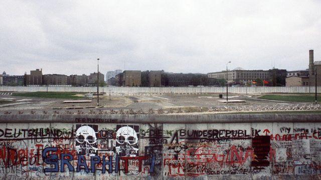 Берлинская стена в 1984 году