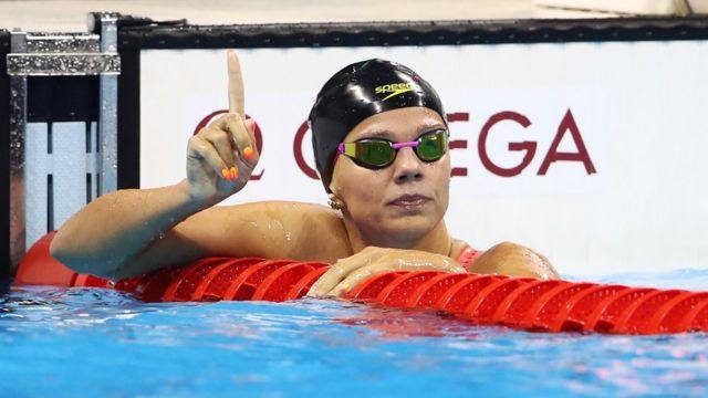 Yulia Efimova ganó la medalla plata en los 100 metros estilo pecho, pero fue abucheado antes de cada carrera de natación.