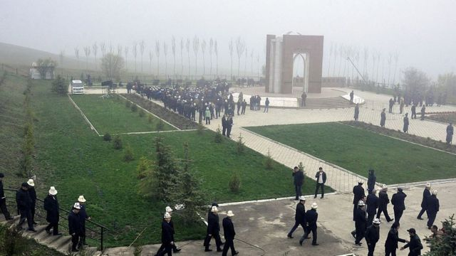 акция поминовения погибших в столкновениях 2010 года