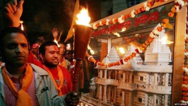 રામ મંદિરની પ્રતિકૃતિ સાથે માગણી