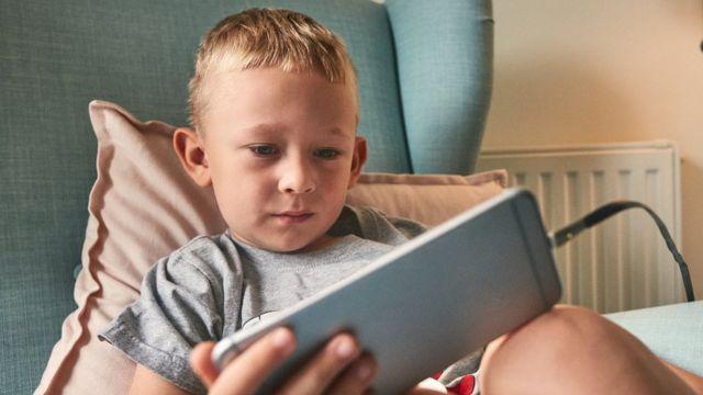 Cuál Es El Mejor Momento Para Darle A Los Niños Un Teléfono Celular Bbc News Mundo