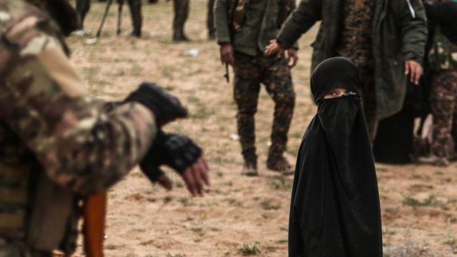 دولت اسلامیہ کے جنگجوؤں کے بچے کیمپوں میں