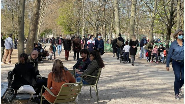 People in Luxembourg Park, Paris