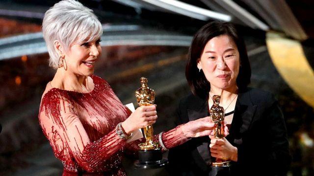 Jane Fonda presenta el Oscar a Kwak Sin Ae