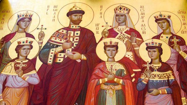 El Zar Nicolás II junto a su familia.