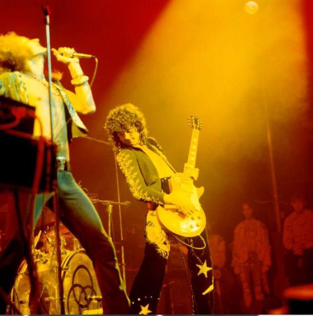 Роберт Плант и Джимми Пейдж на концерте в нью-йоркском Madison Square Garden, ставшим основой фильма The Song Remains the Same