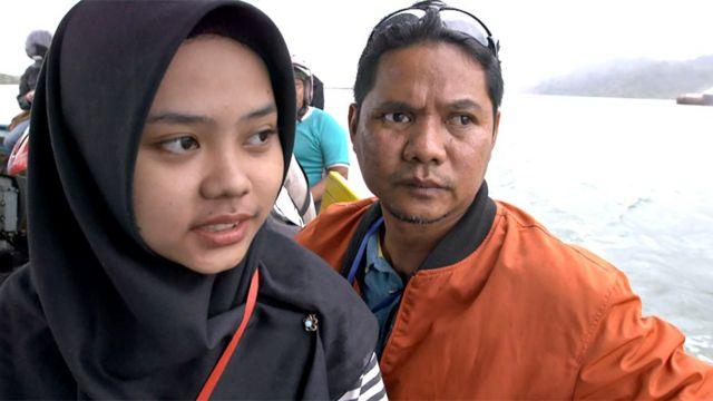 Sarah e Iwan no barco
