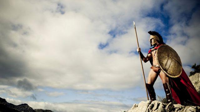 Некоторые эксперты указывают на схожесть традиций и обычаев спартанцев и маниотов