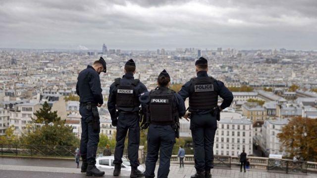 """يثير قانون فرنسي جديد الجدل حول """"حرية التعبير"""" بعدما منع تصوير عناصر الشرطة خلال أداء مهامهم"""
