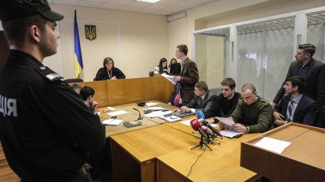 Обвиняемые в убийстве Андрей Медведько и Денис Полищук
