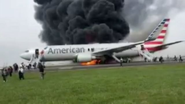 Chicago O'Hare plane fire: American Airlines jet aborts take-off