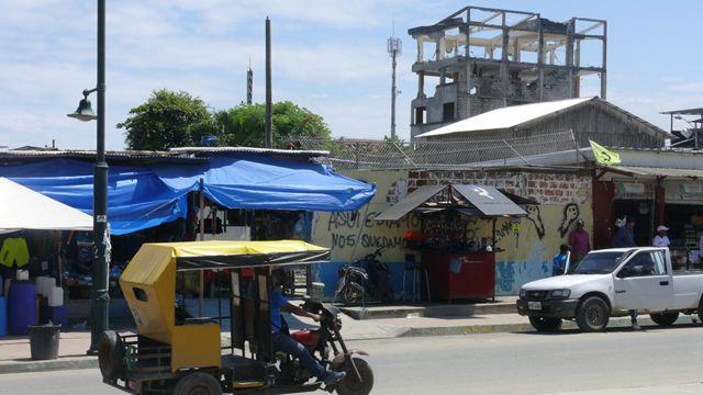 Una calle de Pedernales