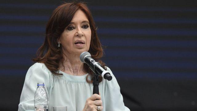 کریستینا فرناندز کیرشنر اتهامات علیه خود را رد کرده است.