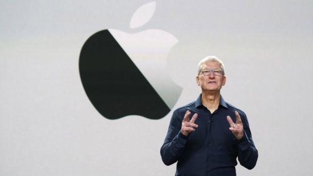 Tim Cook  -  120221030 tv062083544 - Dix ans sans Steve Jobs: comment Apple essaie de garder sa magie vivante