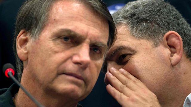 Bolsonaro (esq.) e Bebianno, antes da crise
