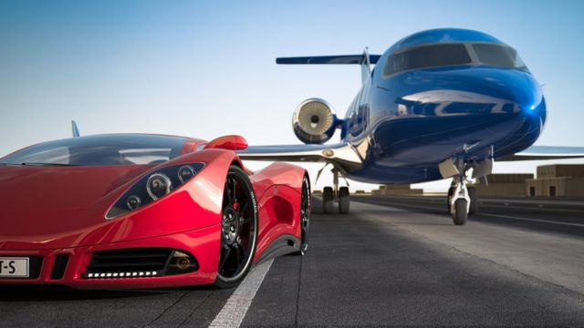 Avión y auto