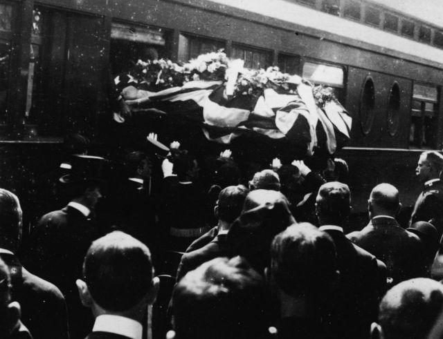 Los restos de McKinley en su funeral